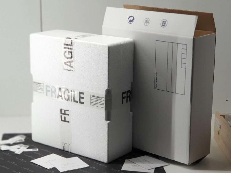 Emballage sécurisé et fermé par un ruban adhésif
