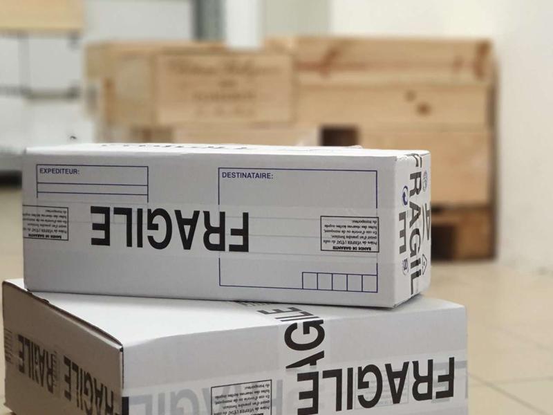Colis sécurisé et prêt à l'envoi
