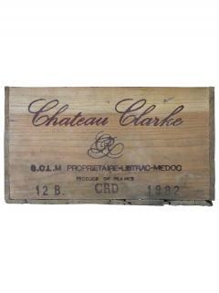 Château Clarke 1982 Caisse bois d'origine de 12 bouteilles (12x75cl)