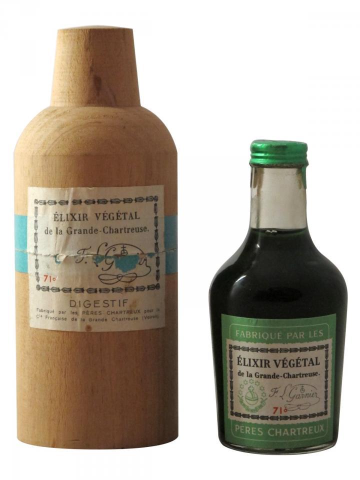 Chartreuse Elixir Végétal de la Grande Chartreuse Pères Chartreux Années 1960 Mignonette (10cl)